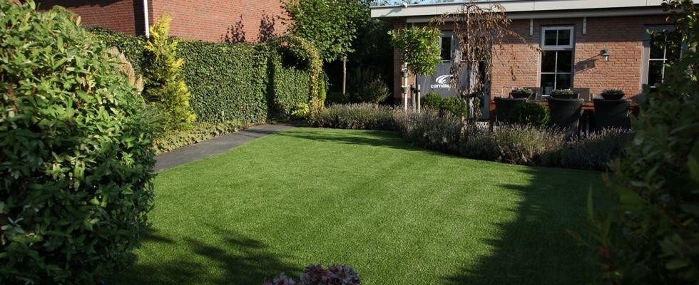Thuis - Kunstgras in de tuin